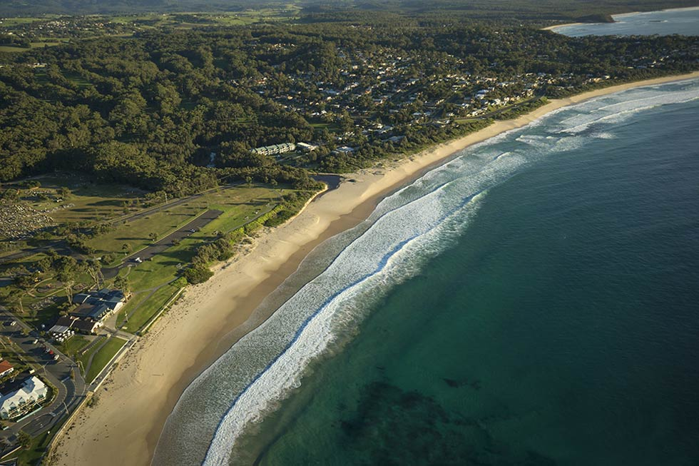 Mollymook Shores is situated opposite the beautiful Mollymook Beach